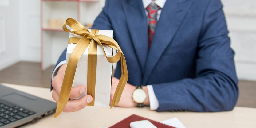 How to use corporate gifts to stand out